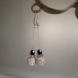 Boucles d'Oreilles Pendant chaîne Argent  Perles Strass et Toupie Noire