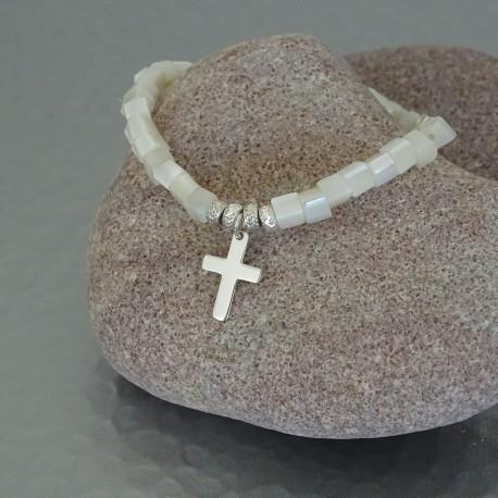 Bracelet perles nacre et croix argent 925