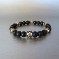 Bracelet perles Agate noire et perle Croix de Malte