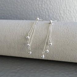 Boucles mini perles sur tiges