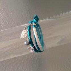Bracelet Double Lien en Cuir Suédine Turquoise avec Breloques Argentées